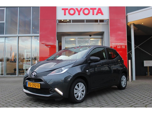 Toyota Aygo 5-DRS 1E EIG PROEFRIT AAN HUIS