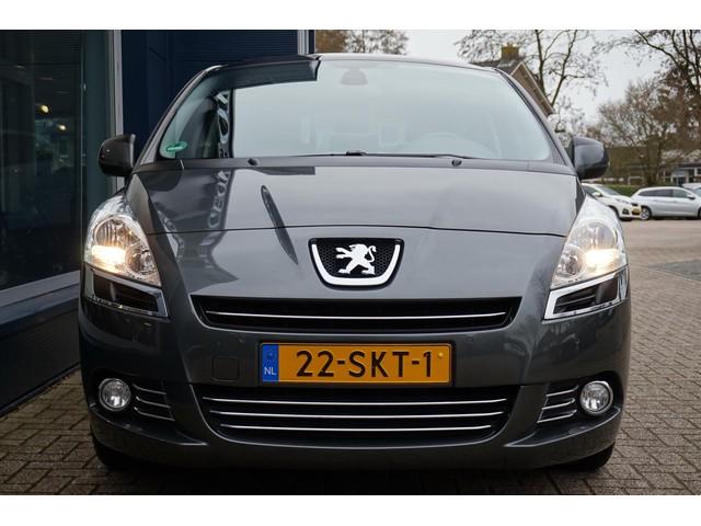 Peugeot 5008 Family 155 PK , zeer compleet, echt nog als nieuw !