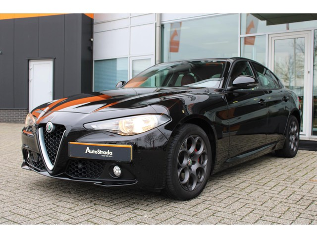 Alfa Romeo Giulia 2.2 JTD 180pk Aut Advanced Business Navi | Camera