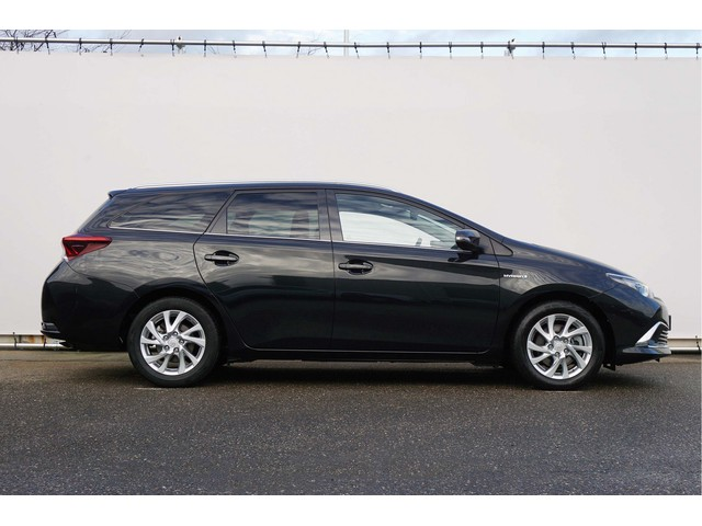 Toyota Auris Touring Sports 1.8 Hybrid Lease Pro Panorama incl. BTW!