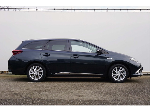 Toyota Auris Touring Sports 1.8 Hybrid Lease Pro Leer Panorama incl. BTW!