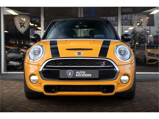MINI Mini 2.0 Cooper S Chili Serious Business Panoramadak Xenon Leer Harman Kardon PDC Cruise Clima Stoelverwarming Benzine!