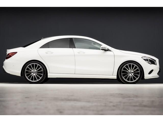 Mercedes-Benz CLA-Klasse 180 Amg Sport Automaat (GROOT NAVI, CAMERA, KEYLESS START, SPORTSTOELEN, XENON, PDC, NIEUWSTAAT)