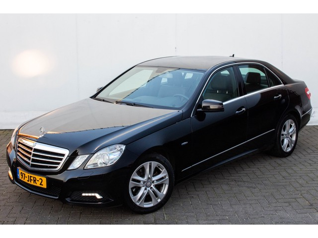 Mercedes-Benz E-Klasse 220 CDi Avantgarde Automaat | Comand Navigatie | Xenon | Half Leder | Trekhaak | NL Auto