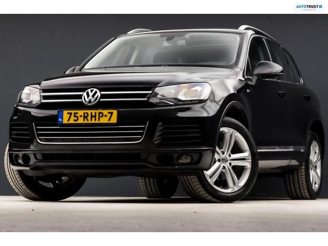 Volkswagen Touareg 3.0 TDI R-Line Highline Automaat (PANORAMADAK, GROOT NAVI, LUCHTVERING, XENON, R-LINE, LEDER, MEMORY STOELEN)