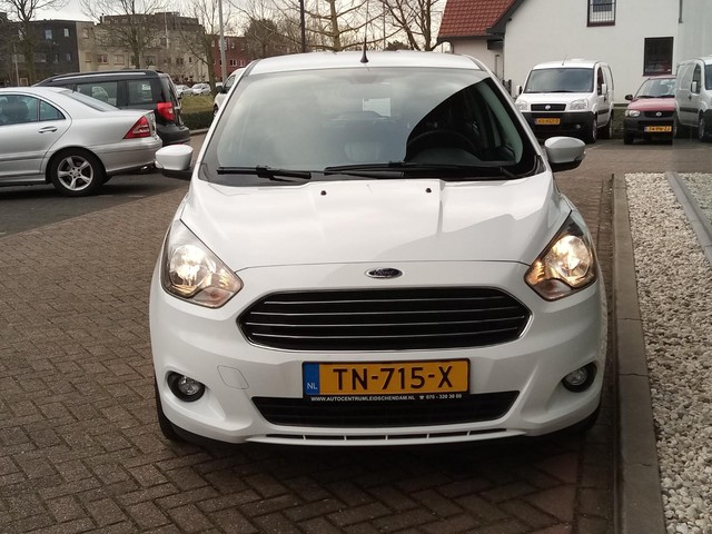 Ford Ka+ 1.2 Trend Essential slechts 25 dkm @ 1e Eigenaar