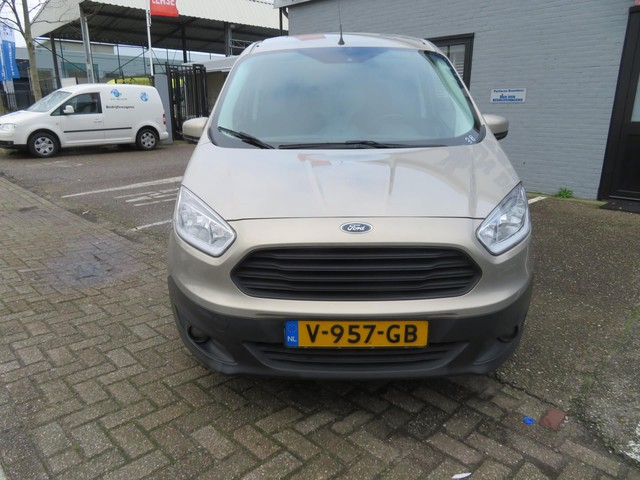 Ford Transit Courier 1.5 TDCI Trend camera
