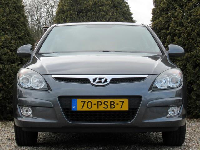 Hyundai i30 1.6i Dynamic Business   Ecc   Navi   Trekhaak