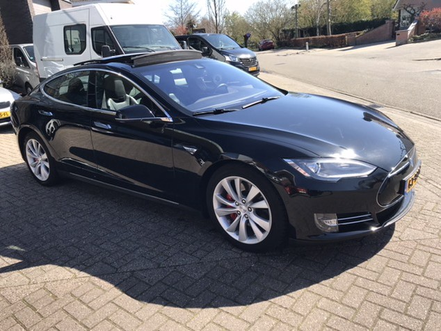 Tesla Model S 85D Performance Panodak auto pilot (39750 ex btw)