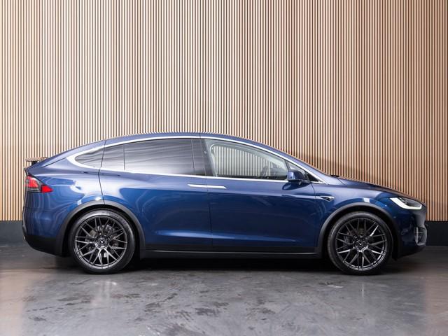 Tesla Model X 90D Base 7p.