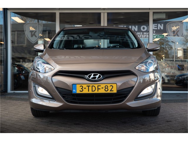 Hyundai i30 1.6 GDI i-Catcher Navigatie Xenon Achteruitrijcamera Leder Benzine!