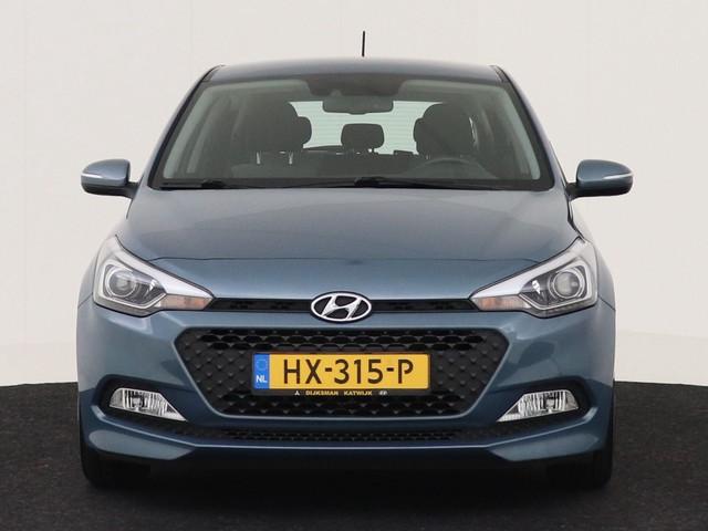 Hyundai i20 1.2 HP i-Motion Comfort NAVIGATIE CAMERA CLIMATE CONTROLE CRUISE CONTROLE
