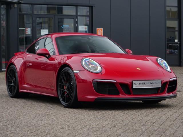 Porsche 911 3.0 Carrera 4 GTS   carmine red   panoramadak   bose   sport-chrono..