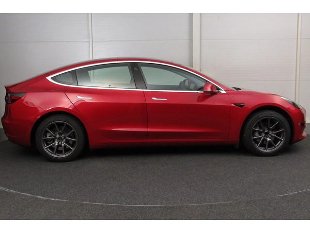 Tesla Model 3 Standard RWD Plus Range