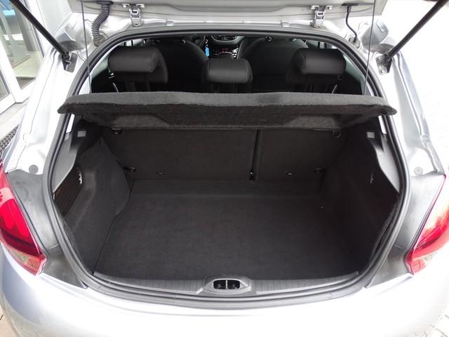 Peugeot 208 82pk Allure Climate Control | Naviagatie | Parkeersensoren | LMVelgen