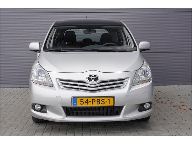 Toyota Verso 1.8i Business Pano Navi Ecc 17