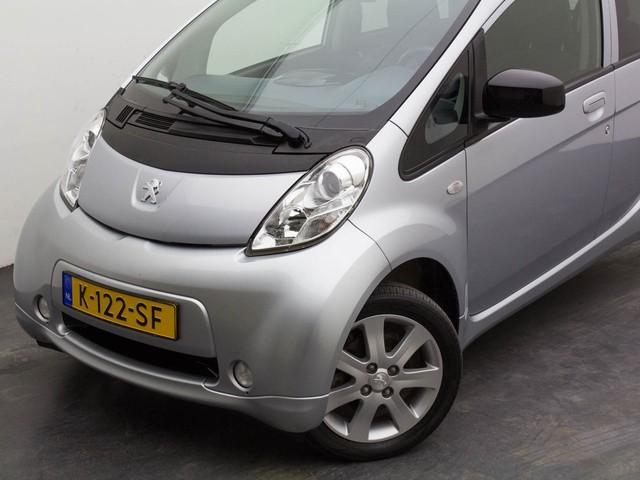 Citroen C-Zero Peugeot iOn Active Airco Tel. Pdc Elek.Ramen Radio cd LM-velgen (prijs is  - € 2.000,-subsidie)