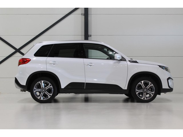 Suzuki Vitara 1.6 High Executive | Panoramadak | Trekhaak
