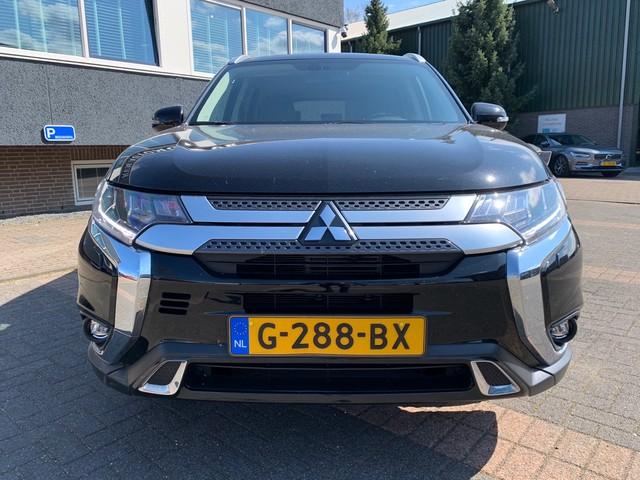 Mitsubishi Outlander 2.0 2WD INTENSE + |Org. NL | STOELVERWARMING | 7 PERSOONS | NAVIGATIE |