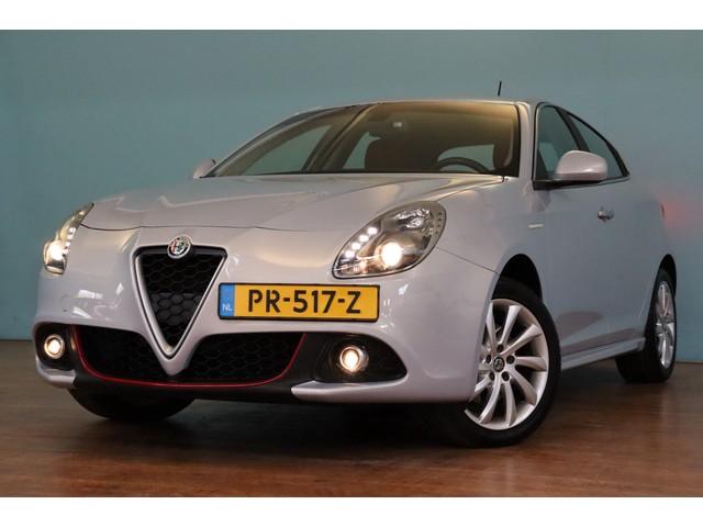 Alfa Romeo Giulietta 1.4 Turbo MultiAir Super AUTOMAAT | NAVI | CLIMA | LEER | PDC | BOSE