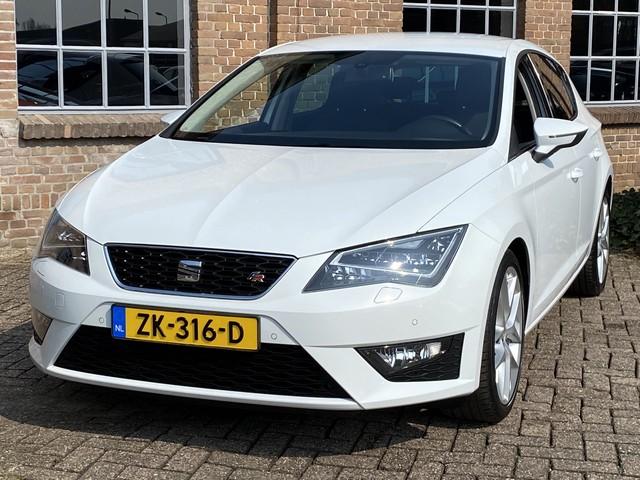 Seat Leon 1.4 TSI FR 150PK *Navigatie*, Cruise, ECC Clima, PDC V+A, Bluetooth, Trekhaak, 18'' LMV.