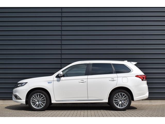 Mitsubishi Outlander 2.4 PHEV INTENSE | FULL - LED | NAVIGATIE | CAMERA | LEDER \ ALCANTARA