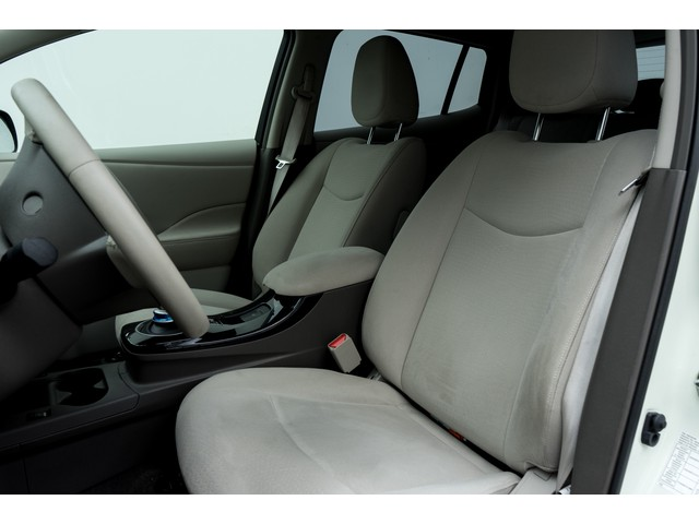Nissan Leaf Base 24 kWh Incl. BTW!  Navigatie  Camera  Stoel-stuurverwarming  Lmv  Cruise control