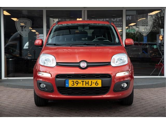 Fiat Panda 0.9 TwinAir Lounge Radio CD Airco LM Velgen Getint Glas Hemelvaartsdag open!