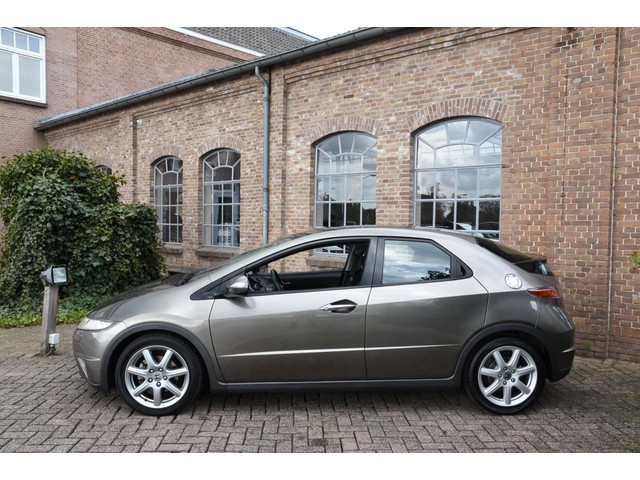Honda Civic 1.8 Executive *140PK* Org. NL Pano-dak Navigatie Climate