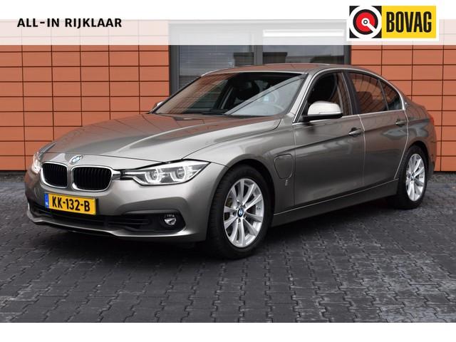 BMW 3 Serie 330e Navigatie