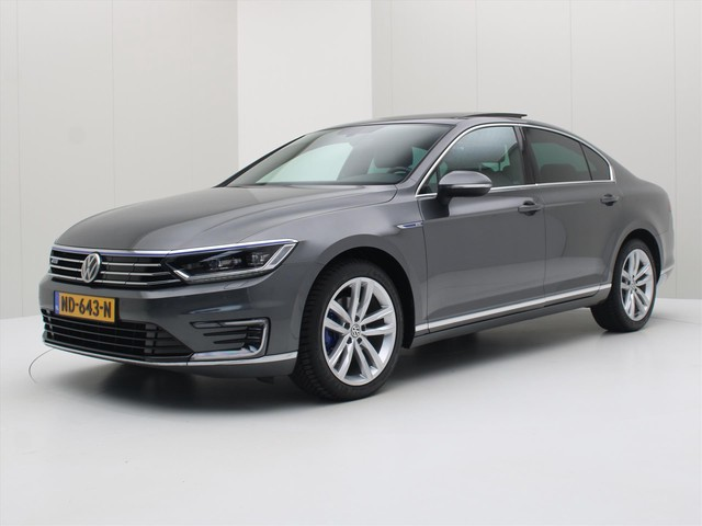Volkswagen Passat 1.4 TSI PHEV 218pk DSG GTE Connected Series Plus Executive Plus [ ACTIVE.DISPLAY+PANODAK+TREKHAAK+CAMERA+ZWARTE HEMELBEKLEDING+A