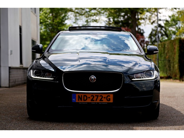 Jaguar XE 2.0 D Portfolio Aut.*NL-Auto*Perfect Onderh.*Panodak Bi-Xenon LED Leder Stoelverw. Parkeersens.V+A Camera Navi*