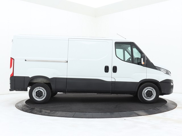 Iveco Daily 35S14 L2H1 | 3500Kg Trekgewicht | Airco | Cruise | 3-Persoons