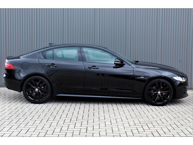 Jaguar XE 2.0 D R-Sport 180pk 19