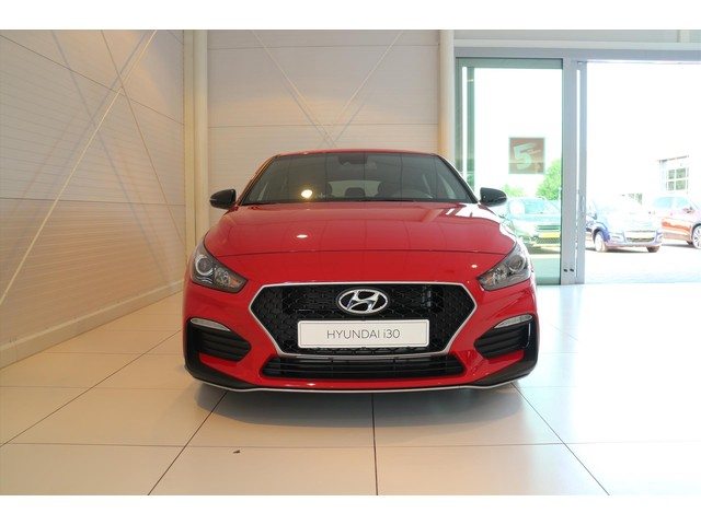 Hyundai i30 Fastback N-LINE 1.4 T-GDI NU € 6000,- DEMO KORTING