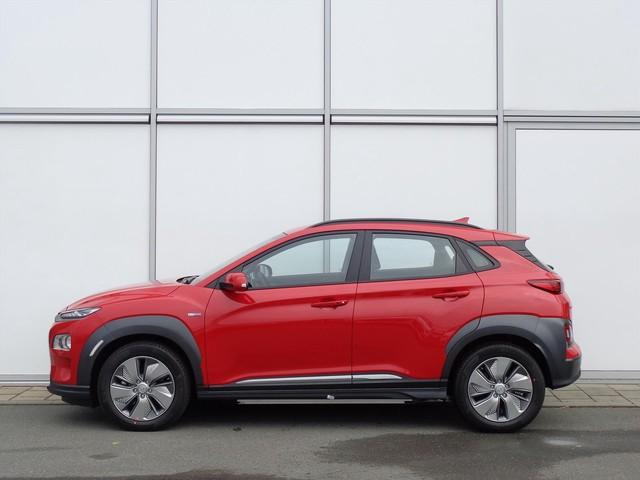 Hyundai Kona EV 204 PK AUTOMAAT PREMIUM   €4795 VOORDEEL!   AIRCO   NAV   CAMERA   RADIO BLUETOOTH   8% BIJTELLING