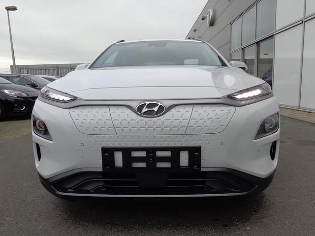 Hyundai Kona EV 204 PK AUTOMAAT PREMIUM   €4835 VOORDEEL!   FULL OPTIONS   3 FASE   8% BIJTELLING