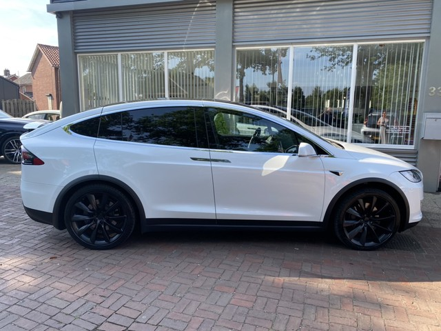 Tesla Model X 75D Base ex. BTW | 4% Bijtelling | Carbon | LED | Softclose | Trekhaak