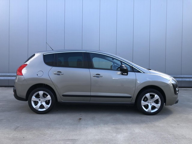 Peugeot 3008 1.6VTi 120PK Premiere Luxe + Dak + trekhaak + dealeronderhouden