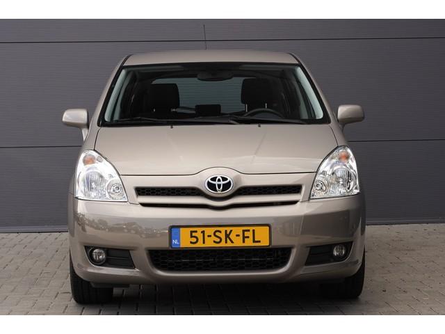 Toyota Corolla Verso 1.8 VVT-i Sol Airco Cruise Trekhaak 17