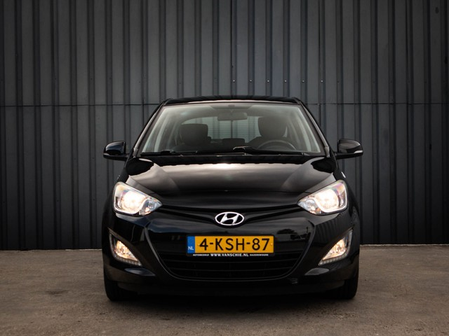 Hyundai i20 1.2i i-Deal, Airco, L.M.Velgen, Dealer-Onderh., Black-line, NL-Auto