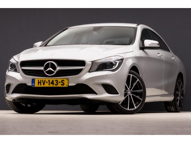 Mercedes-Benz CLA-Klasse 180 CDI Sport Design Automaat  GROOT NAVIGATIE, XENON, SPORTSTOELEN, SFEERVERLICHTING, NIEUWSTAAT 