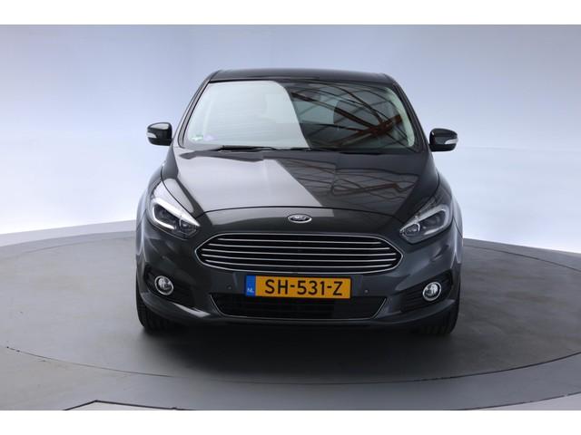 Ford S-Max 1.5 Titanium 160PK [Nav+cam Privacy glass]