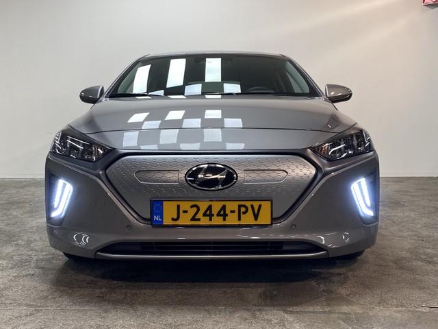 Hyundai IONIQ Premium Sky EV| Leder | Navi | 8% Bijtelling | DEMO | 17