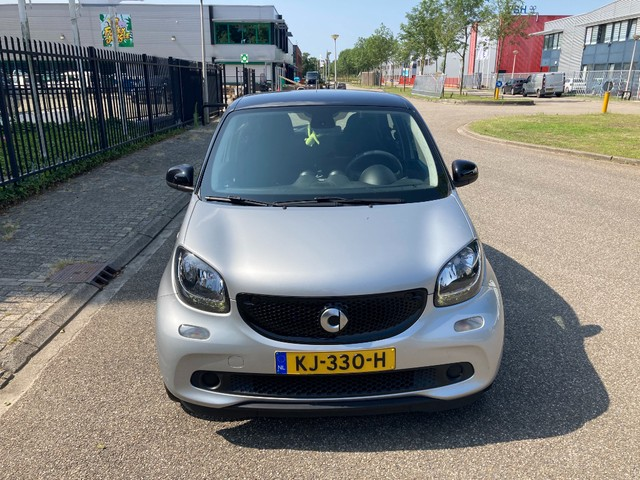 Smart Forfour 1.0 Passion Automaat Climate | Lichtmetaal | Radio USB