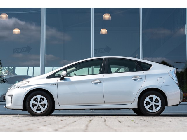 Toyota Prius 1.8 Comfort Top 5 edition   Automaat   Navi   Climate control    Cruise control   NL Auto  