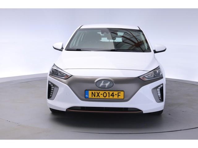 Hyundai IONIQ Comfort EV [ wegenbelastingvrij navi adapt.cruise ]