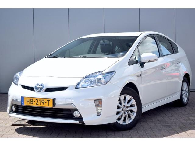 Toyota Prius 1.8 Plug-in Aspiration Incl BTW Keyless Camera Clima Cruise HUD Stoelverw Plug-In  100% Dealer Onderhouden