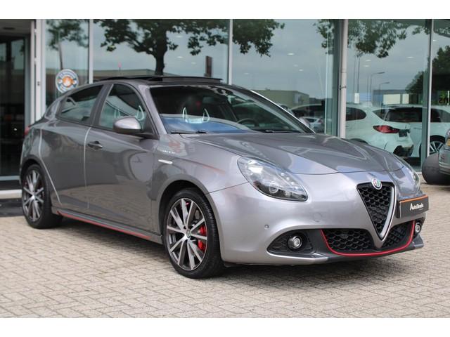 Alfa Romeo Giulietta 1.750 TBI VELOCE AUT 241PK Pano I Navi I Cruise I Climate