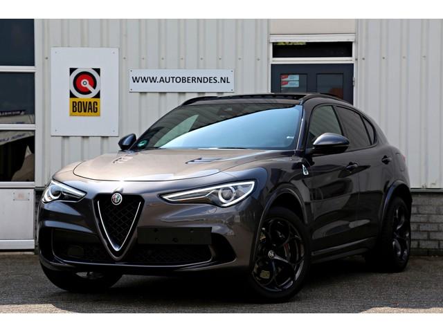 Alfa Romeo Stelvio 2.9 V6 510PK AWD Quadrifoglio*Alfa dealer Onderh.*Carbon Schaalstoelen Panodak ACC Keyless Entry+Go Harman-Kardon DAB LED Navi C